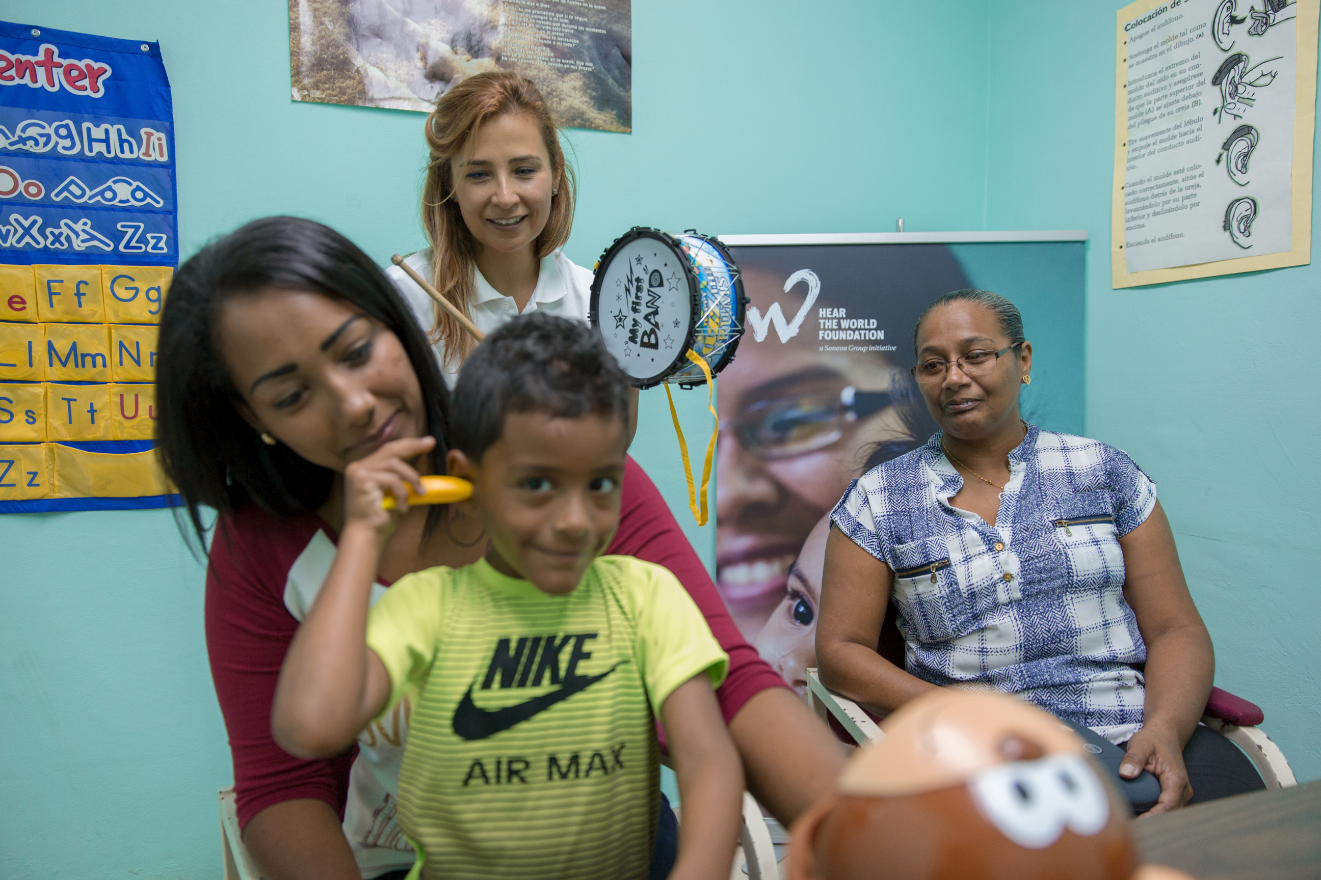 That is why for the first time, the Hear the World Foundation is donating chochlear implants (CI) to three children in Panama, in collaboration with the ...