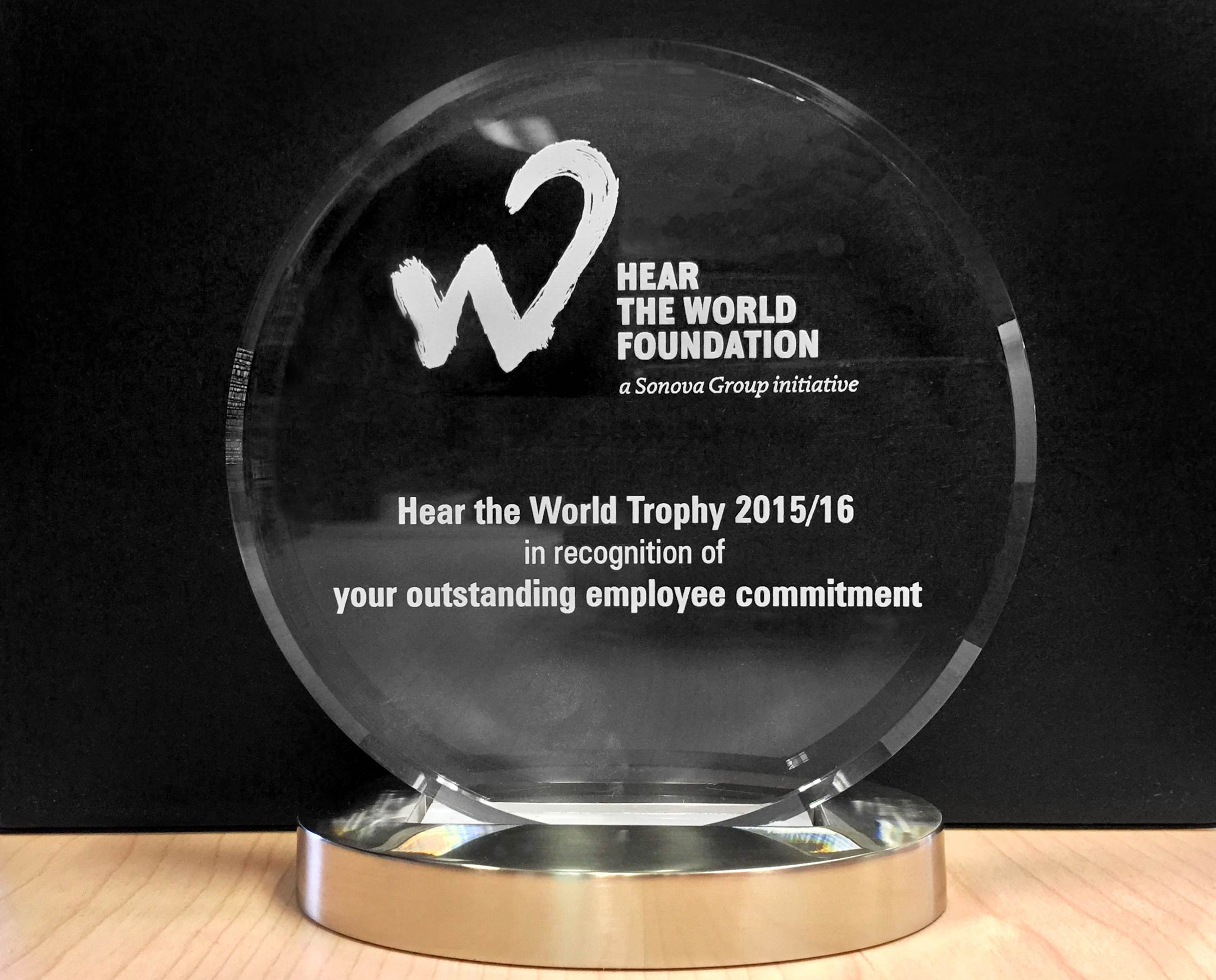 Trophy-for-special-employee-engagements-Hear-the-World-Foundation-03