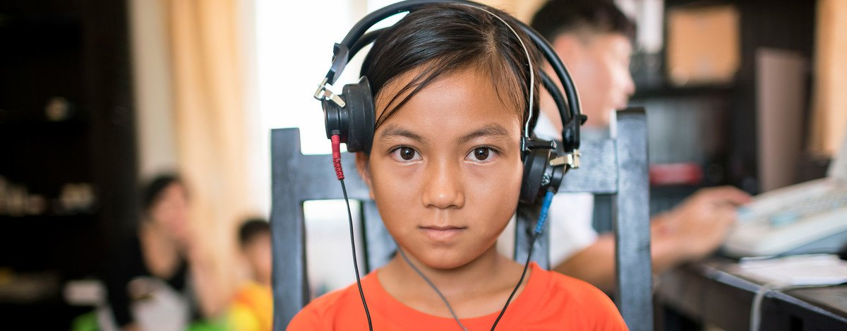 audiological-care-changing-22000-lives-every-year-cambodia-hear-the-world-foundation